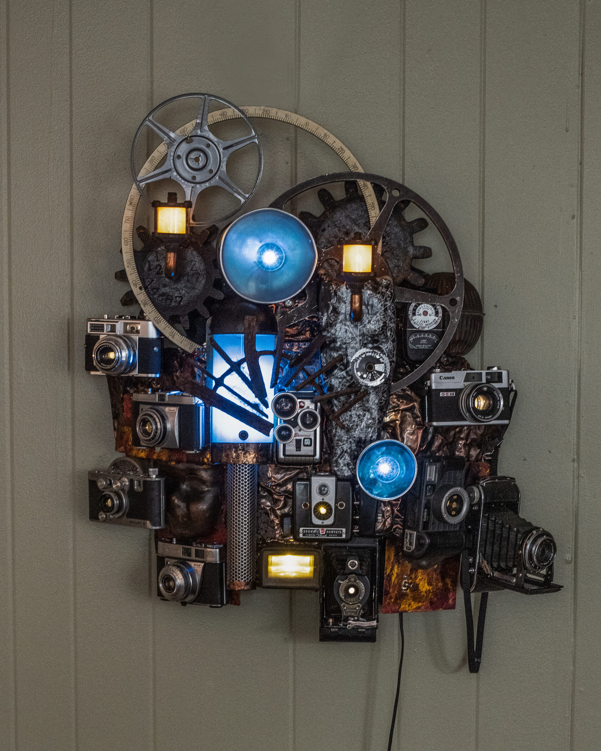 3d sculpture made from old cameras by Larry Ellingson